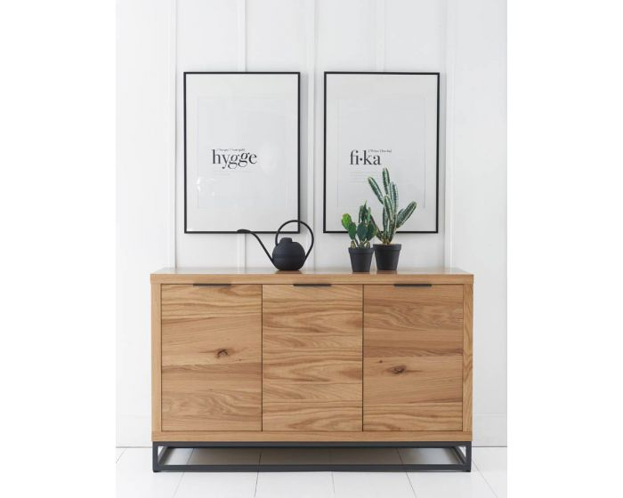 Iestyn 3 Door Sideboard
