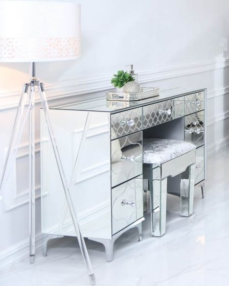 Mirrored Quatrefoil Designed 7 Drawer Dressing Table