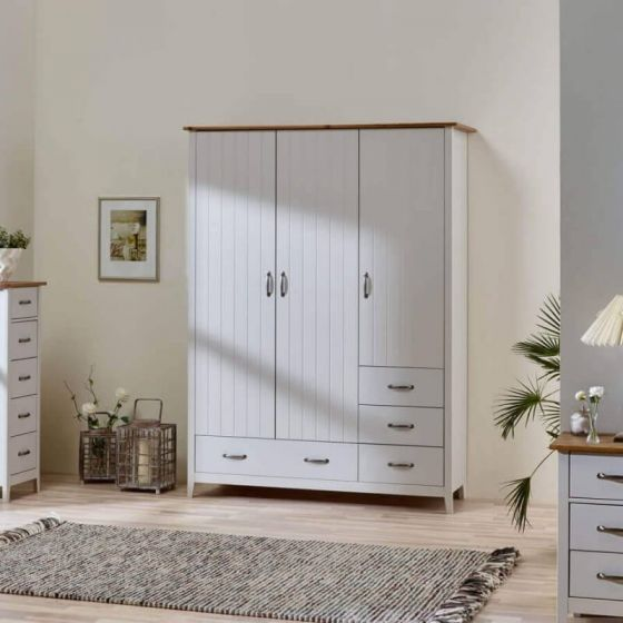 Shaker Style 3 Door 4 Drawer Wardrobes