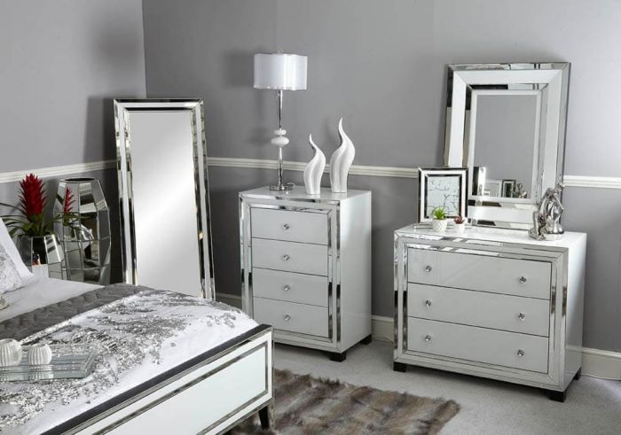 White Glass And Mirrored New York 3 Drawer Chest