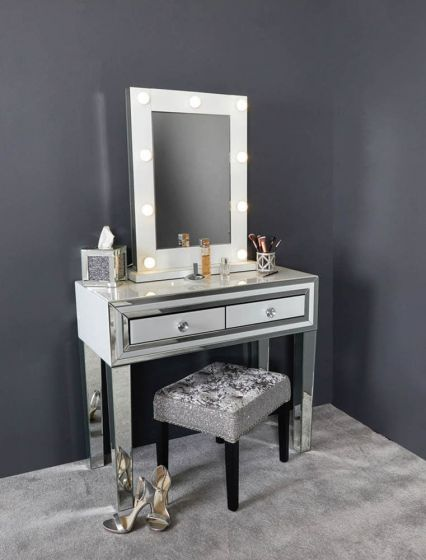 White Glass And Mirrored New York Console Table