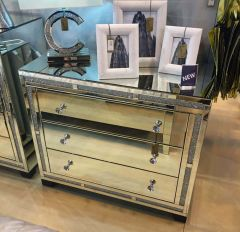 Italian Designed Mirrored 3 Drawer Large Chest Of Drawers