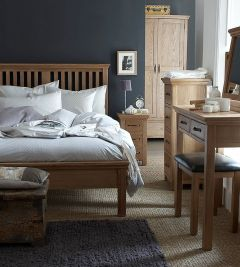 Light Oak Finish 4'6 Bed