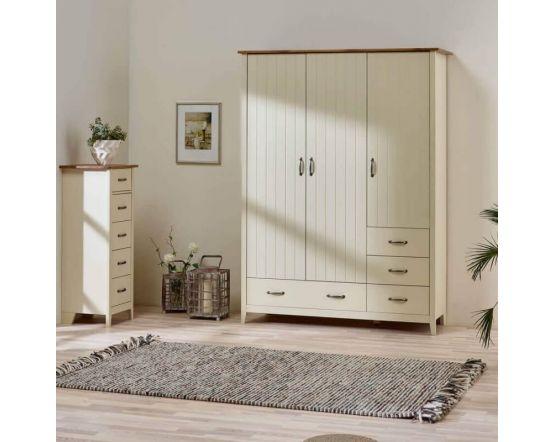 Shaker Style 3 Door 4 Drawer Wardrobes