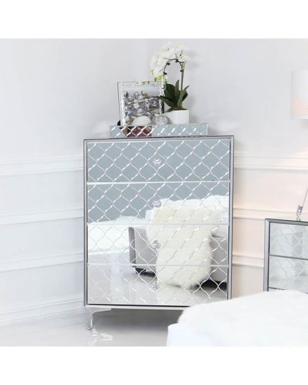 Mirrored Quatrefoil Designed 4 Drawer Chest of Drawers