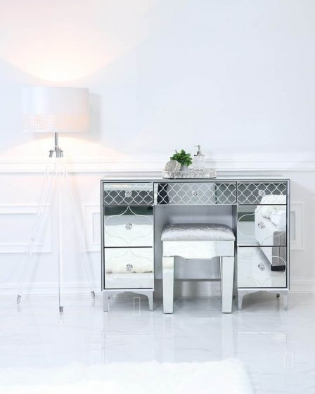 Mirrored Quatrefoil Designed 7 Drawer Dressing Table