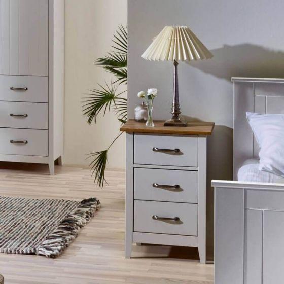Shaker Style 3 Drawer Bedside Cabinets